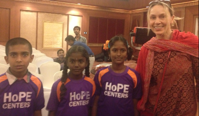 Marianne Hettinger with children at the hope center in India